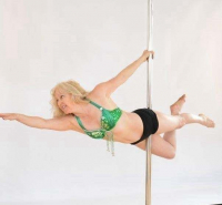 Mixed Ability Pole Class with Linda